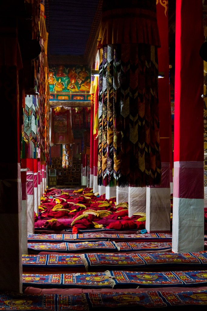 assembly hall, Drepung Monastery