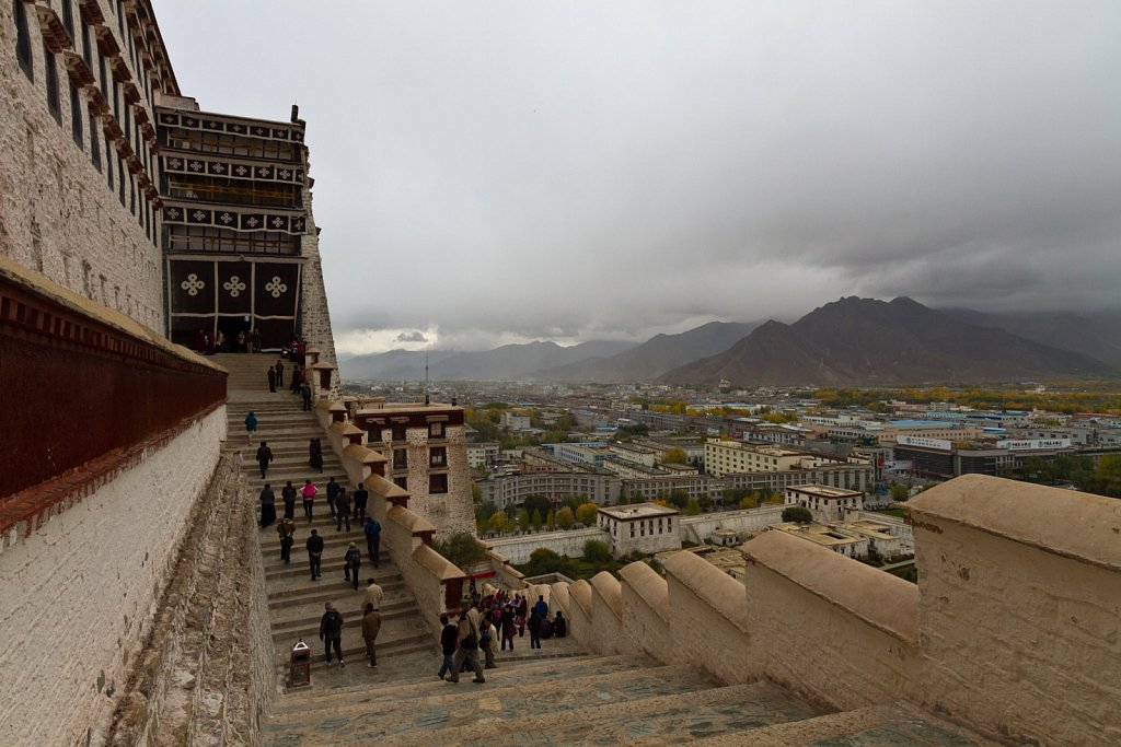 climbing Potala Palace