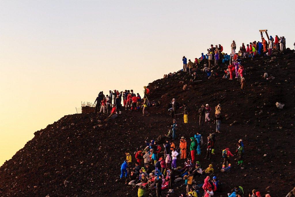 sunrise crowds