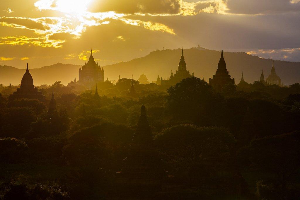 Buledi Pagoda Sunset